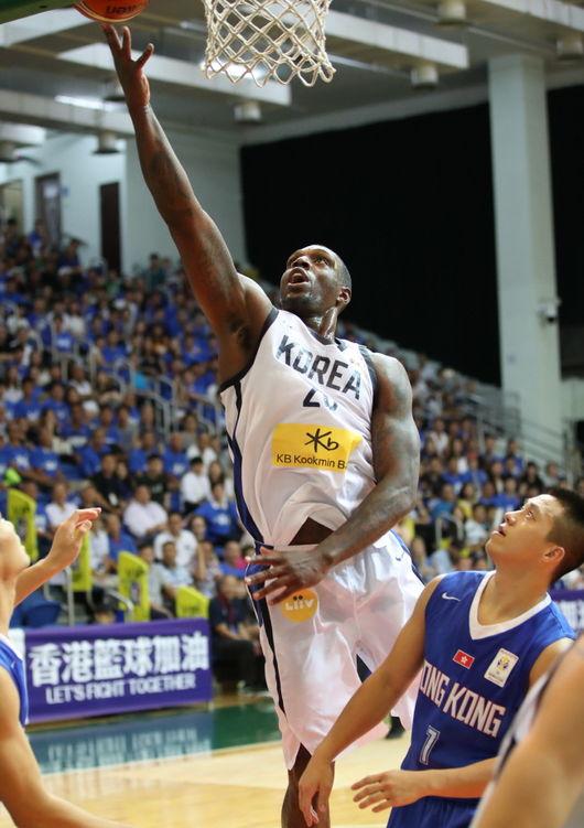 '라틀리프 43점' 한국, 홍콩에 고전 끝에 승리
