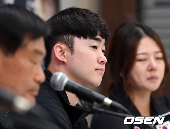 [사진]김준홍,진지한 기자간담회