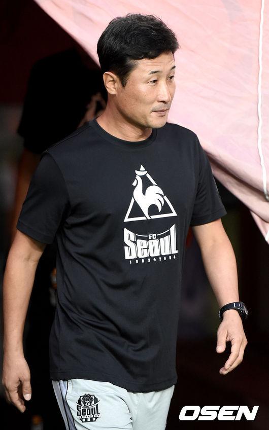 [사진]FC서울 이을용 감독대행, 승리 향해 가자