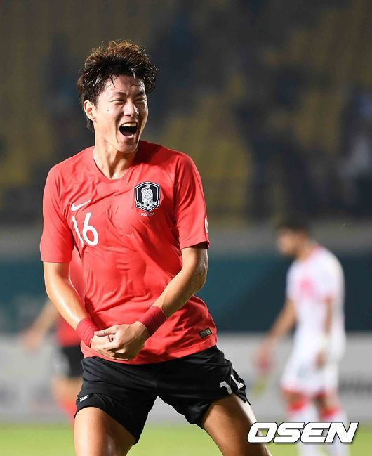 [한국-바레인] 해트트릭 황의조, 골 넣었지만 이제 첫 경기