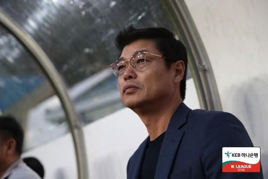 """경남 김종부, """"아드리아노-로페즈에 쉽게 골을 내준 것이 패인"""""""