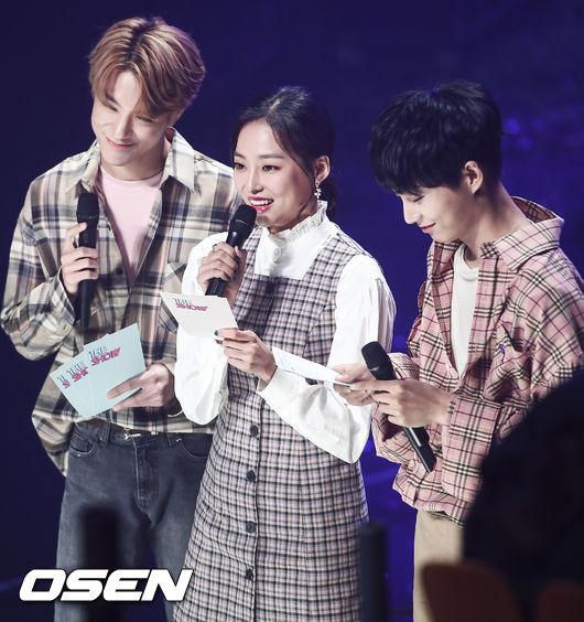 [사진]더쇼 안방마님 NCT 제노-CLC 예은-김용국,반가운 인사
