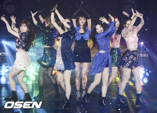 [사진]더쇼 1위 오마이걸,빛나는 소녀들