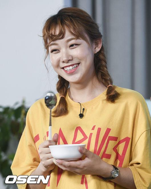 [사진]에이틴 김수현,먹방 라이브 기대하세요
