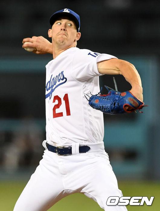 [사진]콜로라도 상대 스윕승 노리는 다저스 선발 뷸러의 역투