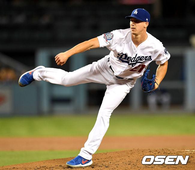 [사진]다저스 선발 워커 뷸러, 강력한 패스트볼 구위