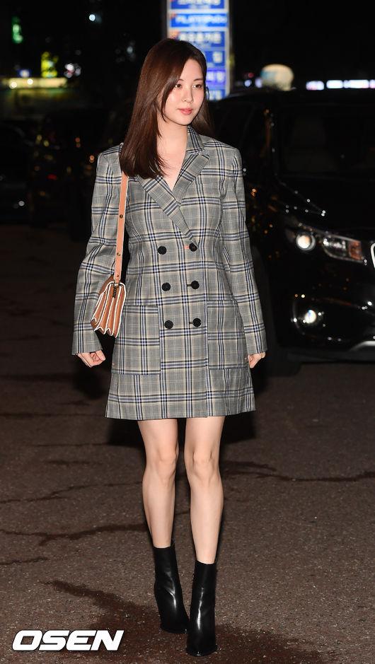 [사진]서현,여신미모 뽐내며 워킹