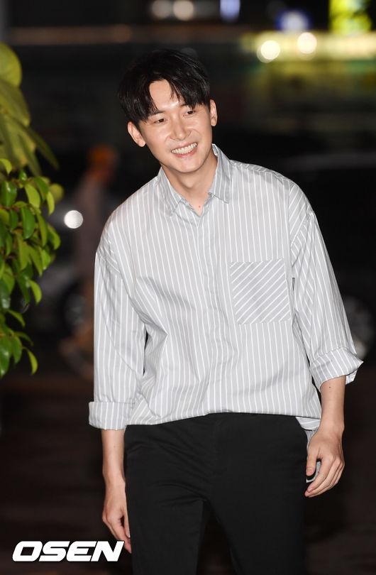 [사진]김준한,환한 미소로 입장