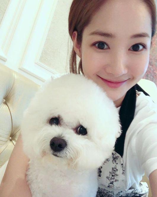 반려견과 함께…박민영, 집에서도 꽃보다 아름다운 미모[★SHOT!]