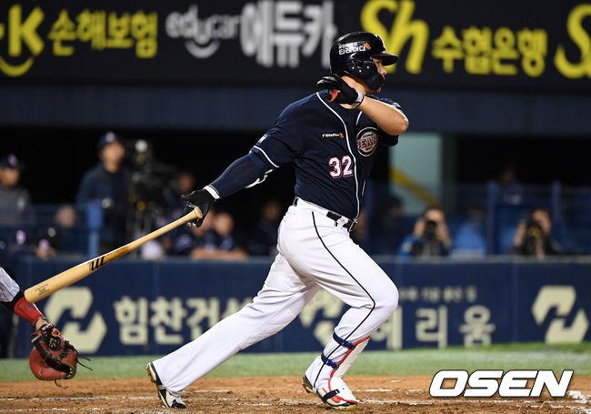 [사진]김재환,빨랫줄 타구