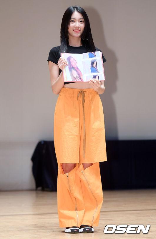 [사진]유니티 이수지,독특한 의상