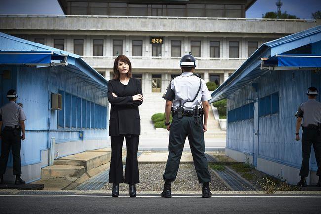 한국 사람 김혜수, 도보다리 민간인 첫 방문 평화 몽글몽글 피어나