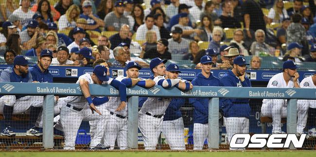 [사진]다저스 더그아웃, 샌디에이고에 발목 잡히나