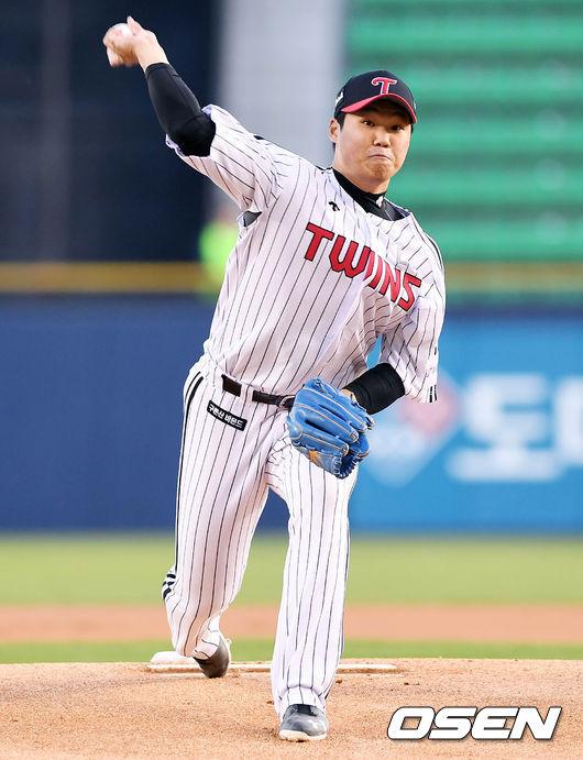 세번째 위기에 무너진 김대현, 4이닝 4실점 강판