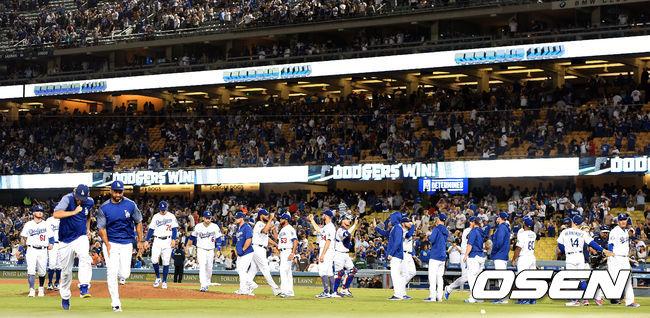 [사진]승리 가져가는 다저스, 지구 우승 향해 전진
