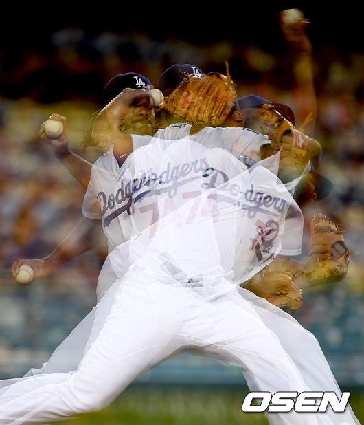 [사진]9회 만루 위기 넘겨낸 다저스 잰슨의 환상투