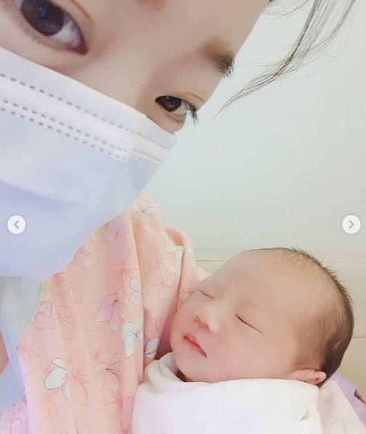 안소미, 생후 3일된 딸 로아 공개..여자입니다 오해마세요[★SHOT!]