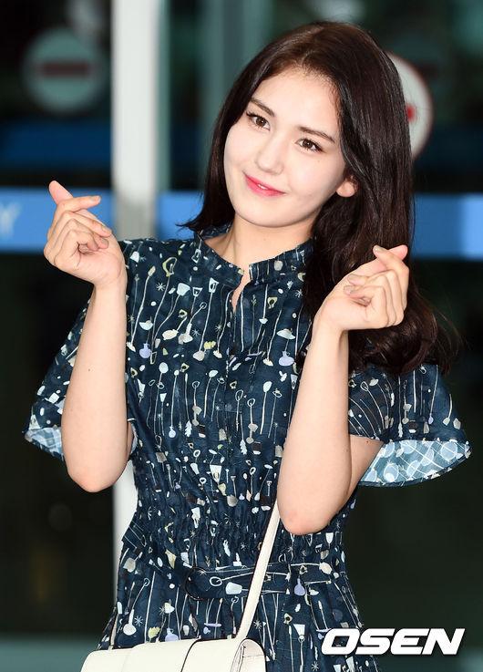 더블랙레이블行 전소미, 솔로 데뷔에 거는 기대 [Oh!쎈 레터]