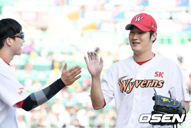 [사진]박종훈, 5이닝 2실점 승리 요건