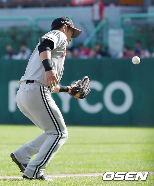 [사진]정주현,공이 도망을 가네