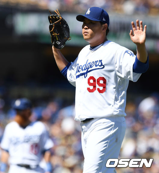 """'달라진 위상' MLB.com """"뜨거운 류현진, PS 중용 시사"""""""