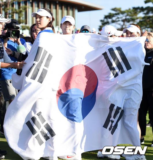 [사진]전인지-박성현-김인경-유소연,LPGA 대회서 태극기 휘날려요