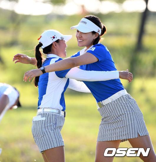 [사진]김인경-전인지,짜릿한 우승의 기쁨