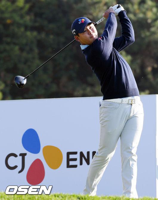 [사진]김시우,스폰서 대회 우승 정조준