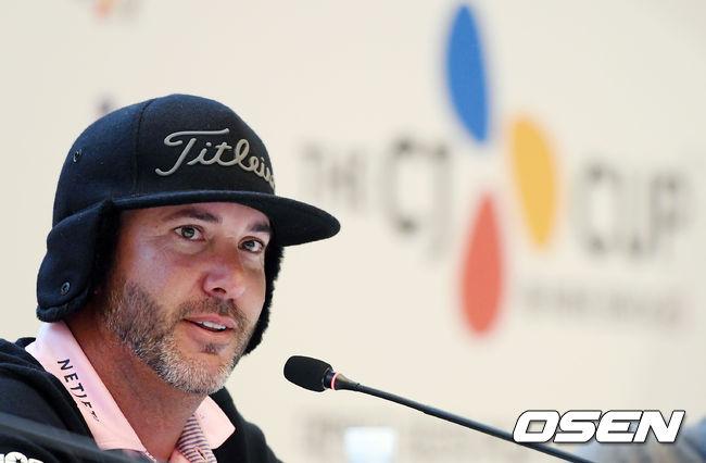 [사진]PGA 더 CJ컵 단독 선두로 2라운드 마친 스콧 피어스