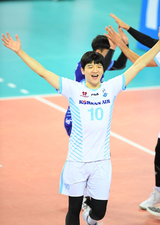 '정지석 22점+블로킹 높이' 대한항공, 한국전력 꺾고 2연승