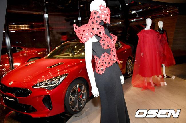 [사진] 패션이 된 레드 스팅어...국제 패션아트 비엔날레