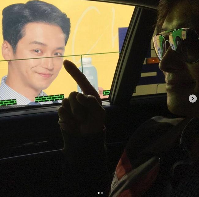 """이병헌, 변요한X유연석 광고 보고 """"지금 내 뒤를 밟은 거요?""""[★SHOT!]"""