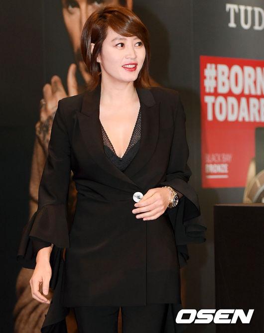 [사진]김혜수,시선 사로잡는 입장