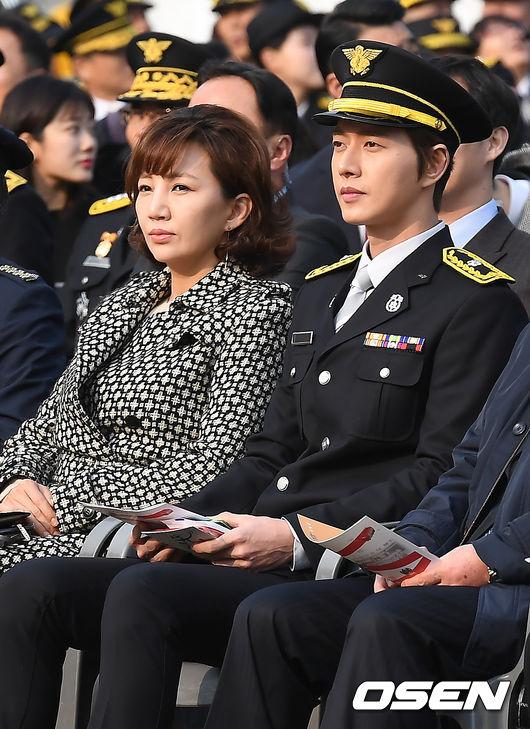 [사진]제56주년 소방의 날 행사 참석한 설수진-박해진