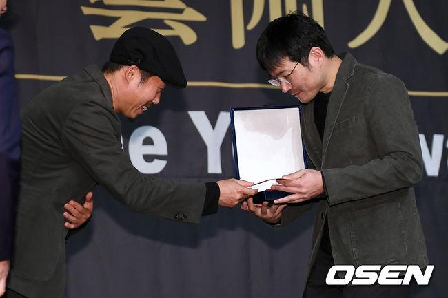 [사진]유해진-신동석 감독, 축하드립니다 감독님~