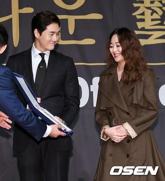 [사진]유지태-김효진 부부, 행복한 미소