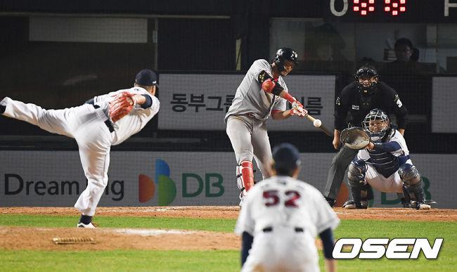 [사진]KS MVP 한동민,우승 이끈 결승 솔로포