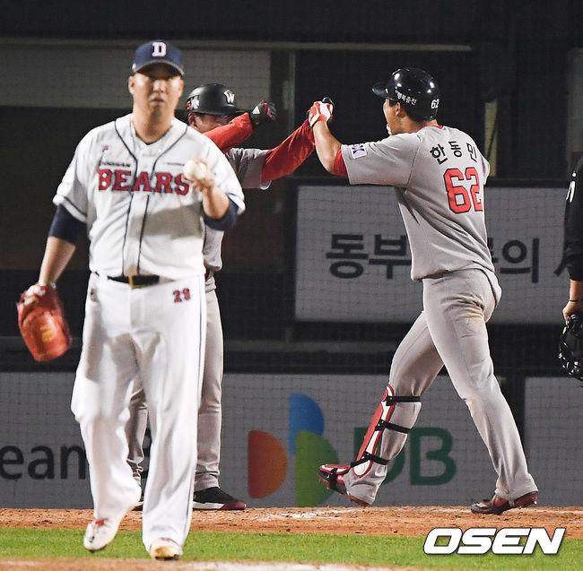 [사진]한동민,유희관 상대로 KS 우승 결승 솔로포