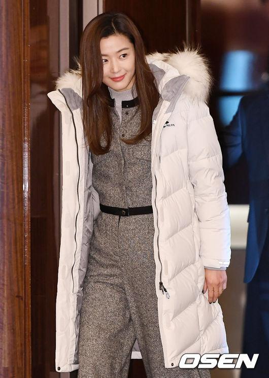 [사진]전지현, 러블리한 미모