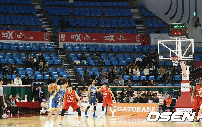 [사진]삼성-SK, S-더비 너무 썰렁한 경기장