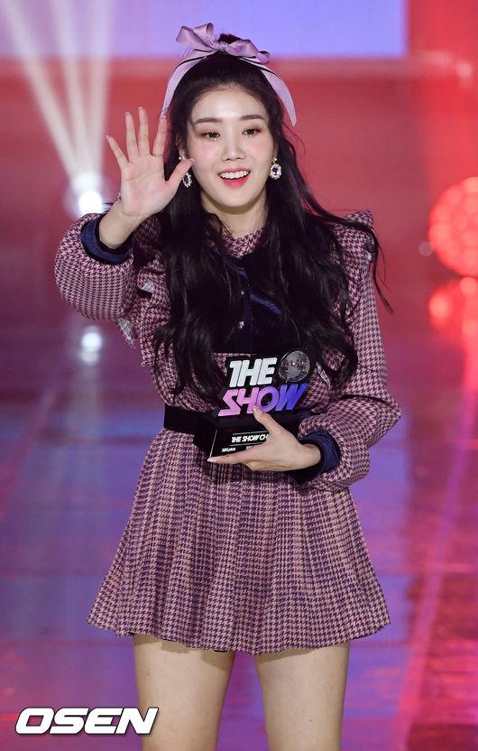 [사진]아이즈원 권은비,더 쇼 1위! 팬 여러분 덕분