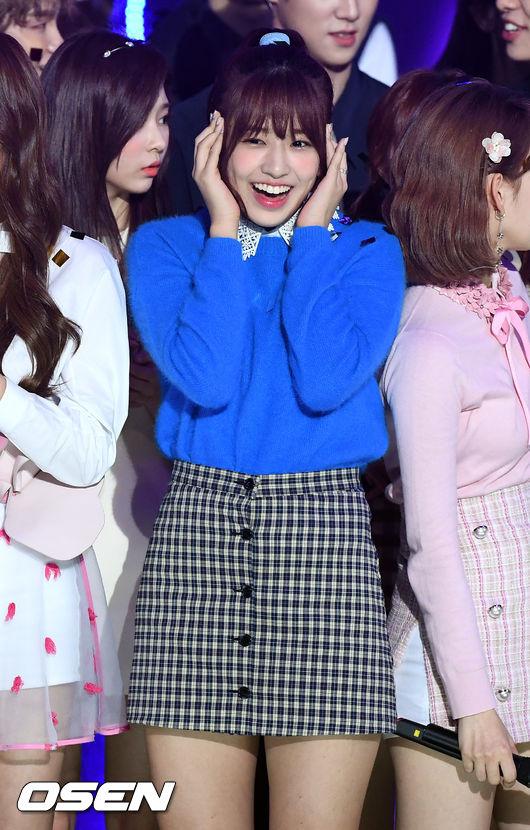 [사진]아이즈원 안유진,더 쇼 1위! 믿을 수 없어