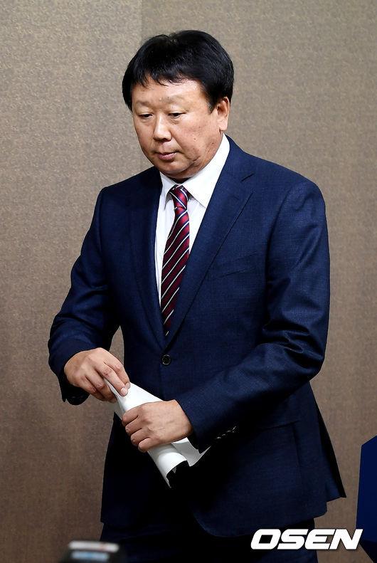 [사진]국가대표 야구팀 지휘봉 내려놓는 선동열 감독