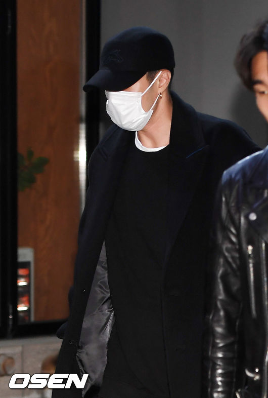[사진]소지섭,모자와 마스크로 완전무장