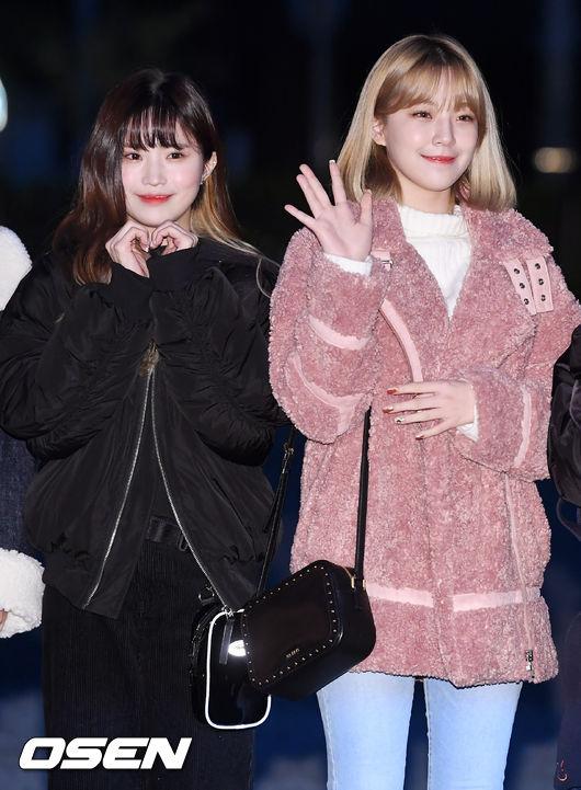 [사진]프로미스나인 송하영-백지헌,더 사랑스럽게