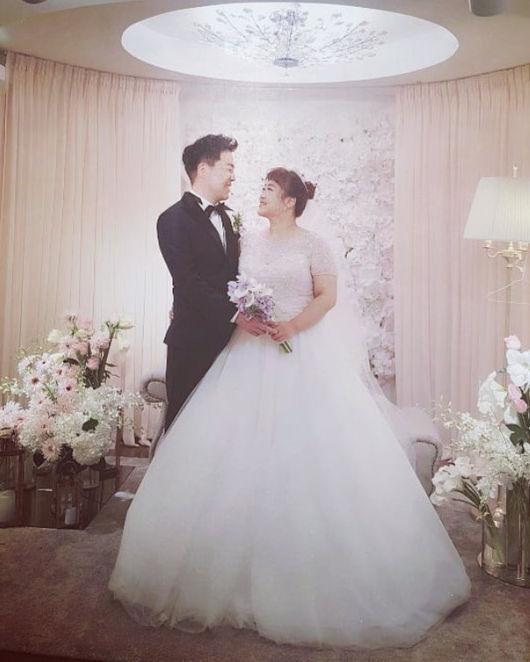 결혼 홍윤화♥김민기, 보답하면서 살게요 소감+웨딩사진 공개 [★SHOT!]