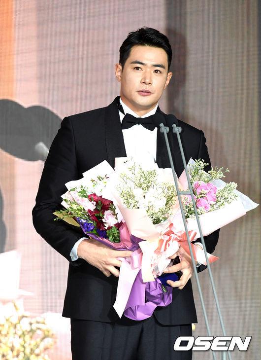 [사진]김재환, 데뷔 11년만에 타이틀홀더