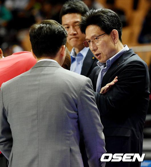[사진]서동철 감독, 오늘도 승리한다