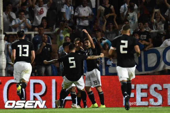 메시 없어도 강한 아르헨티나, 2경기 연속 멕시코 2-0 제압