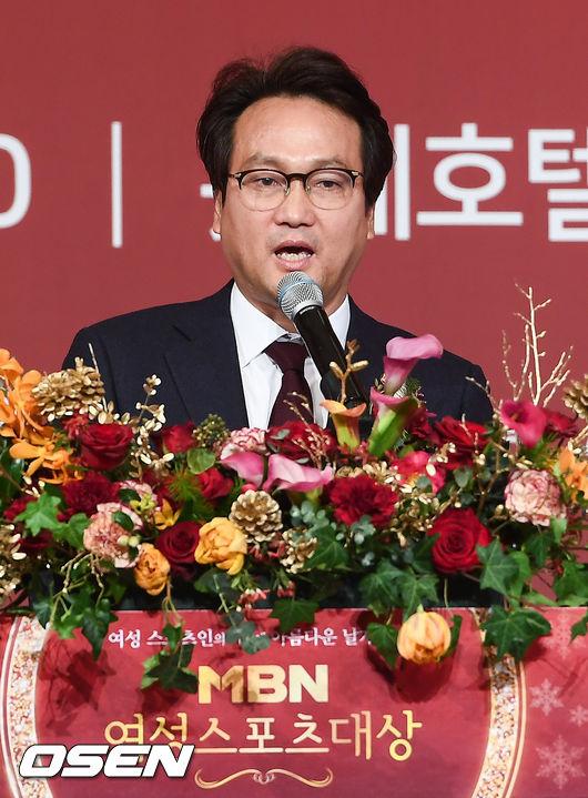 [사진]여성스포츠대상 축사하는 안민석 위원장